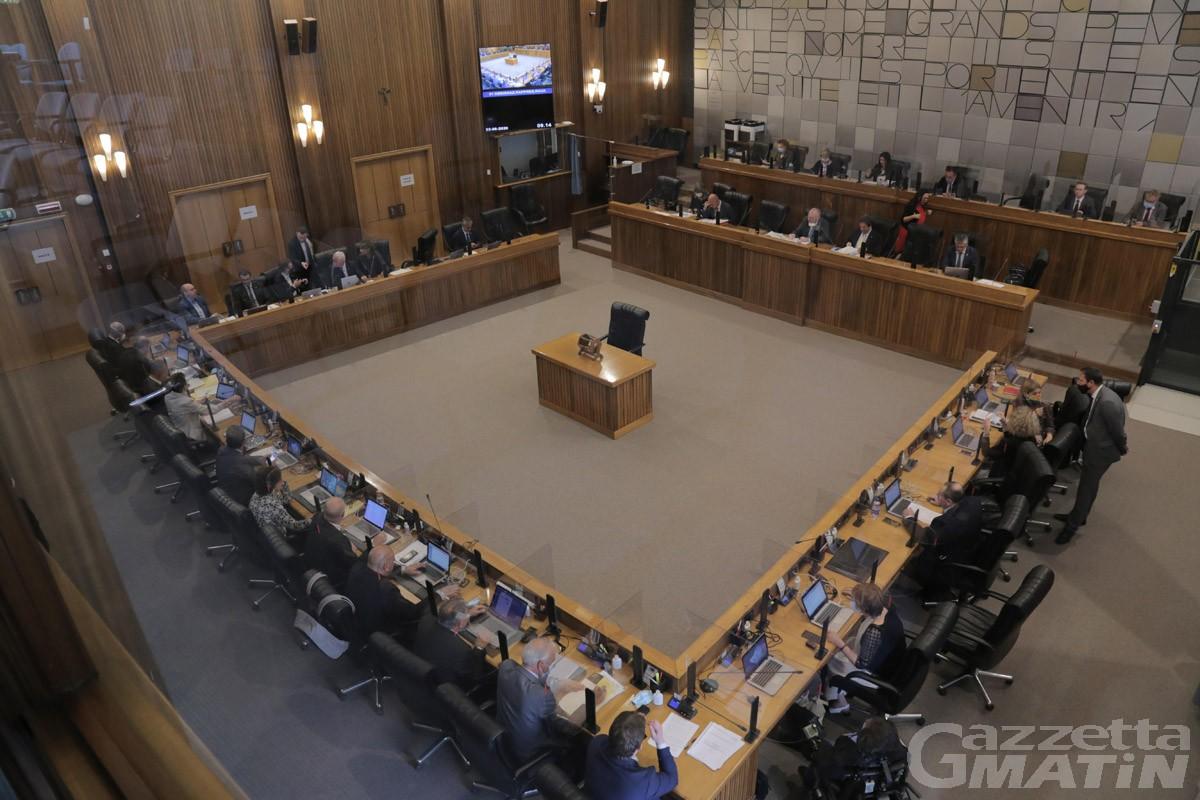 Consiglio Valle straordinario: Lega e Pour l'Autonomie abbandonano l'aula