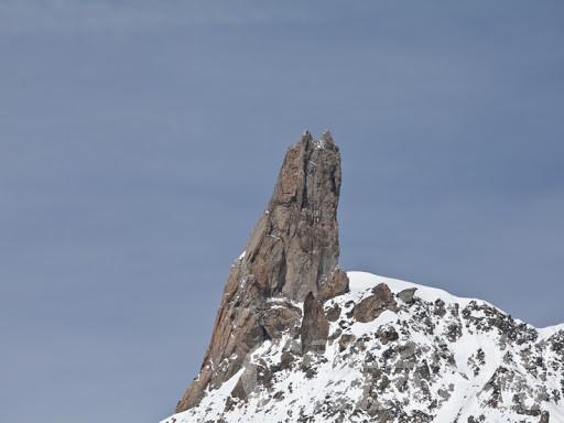 Alpinista muore precipitando dal Dente del Gigante