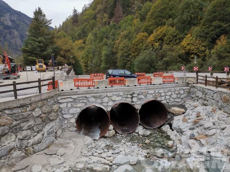 Gaby, iniziati i lavori del ponte crollato nell'alluvione di ottobre 2020