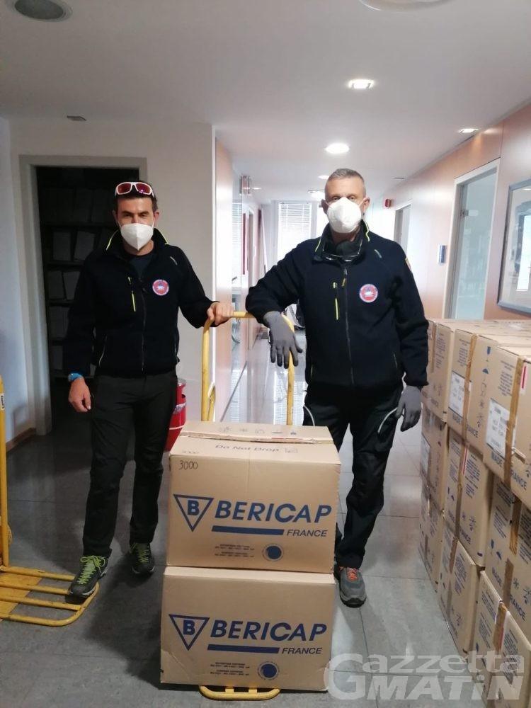 Confcommercio Valle d'Aosta, mascherine gratuite agli associati
