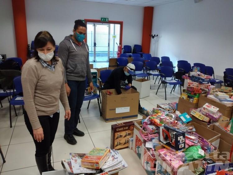 Giocattolo sospeso, il grande cuore dei valdostani: raccolti 2009 regali