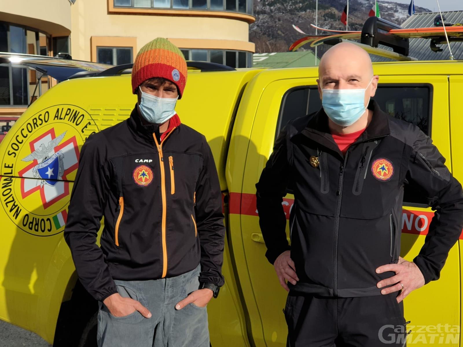 Valanga in Abruzzo, dalla Valle d'Aosta due unità cinofile per le ricerche e un elicottero per la bonifica