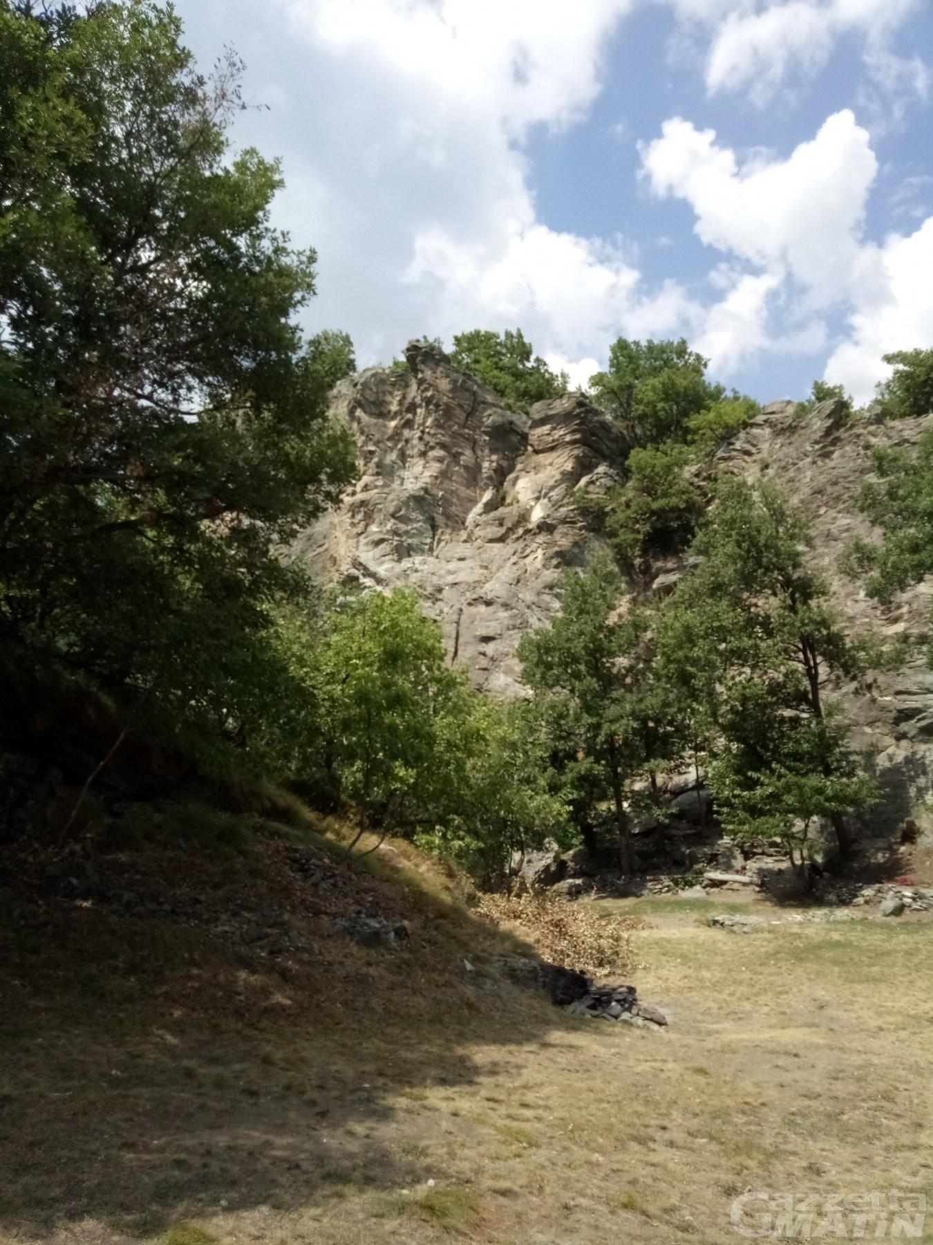 Falesia di Vollein: climber cade, ricoverato in rianimazione