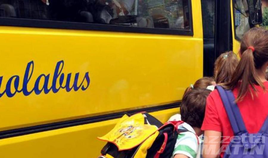 Pontboset: scuolabus rotto e servizio soppresso, le famiglie non ci stanno
