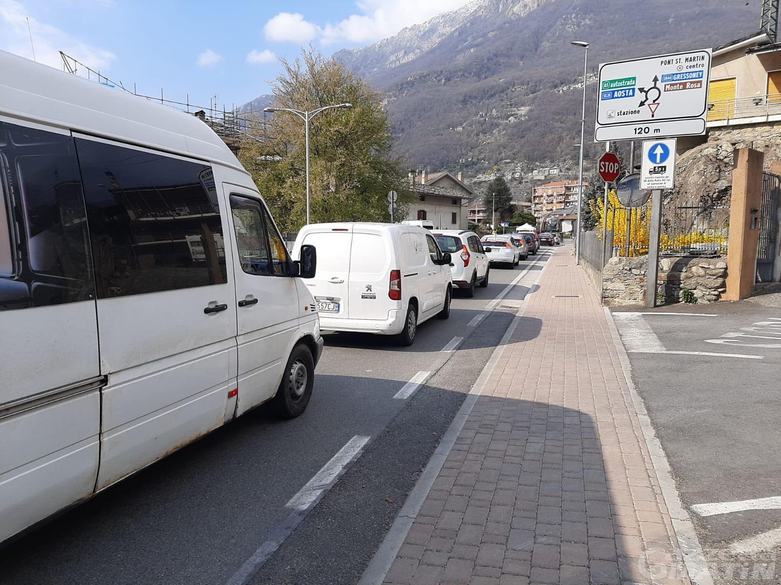 Covid, Valle d'Aosta: controlli intesificati e posti di blocco a Pont-Saint-Martin