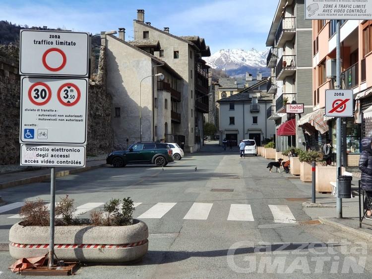 Aosta, Fratelli d'Italia denuncia: aumentati i costi per accesso Ztl e servizi di vigilanza
