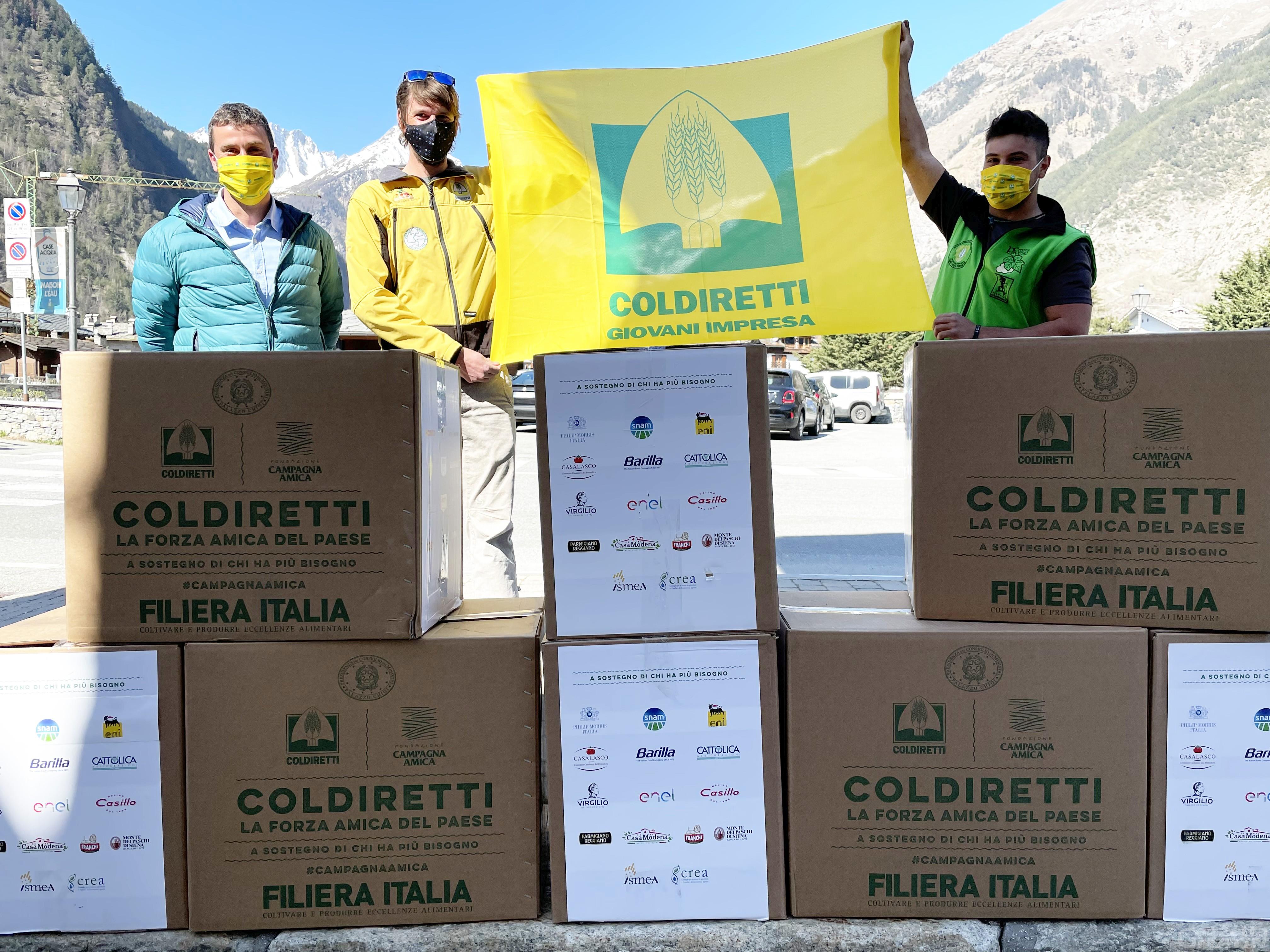 Pasqua solidale: Coldiretti distribuisce 50 pacchi alimentari alle famiglie valdostane