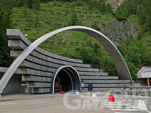 Traforo Monte Bianco, i dipendenti GSA chiedono adeguamento salariale e minacciano lo sciopero