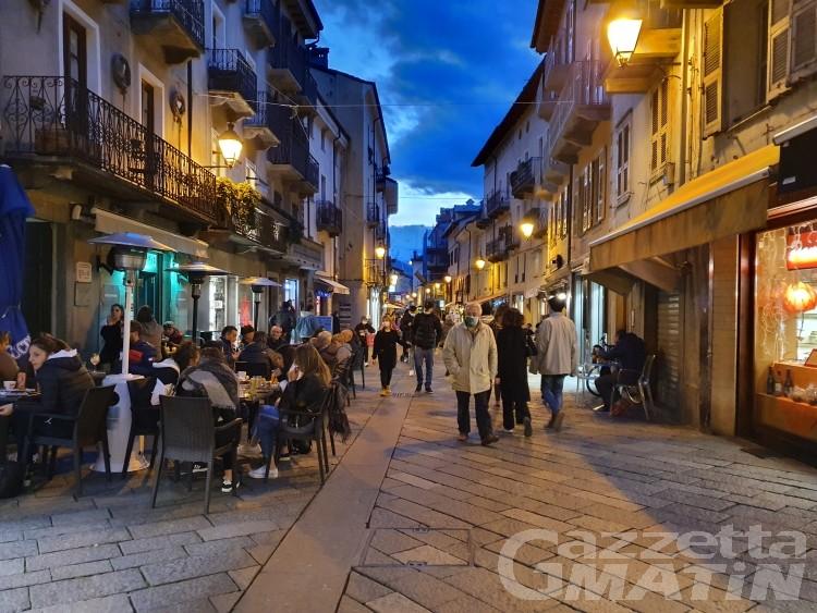 Aosta: istituita l'isola pedonale nel centro storico per luglio e agosto