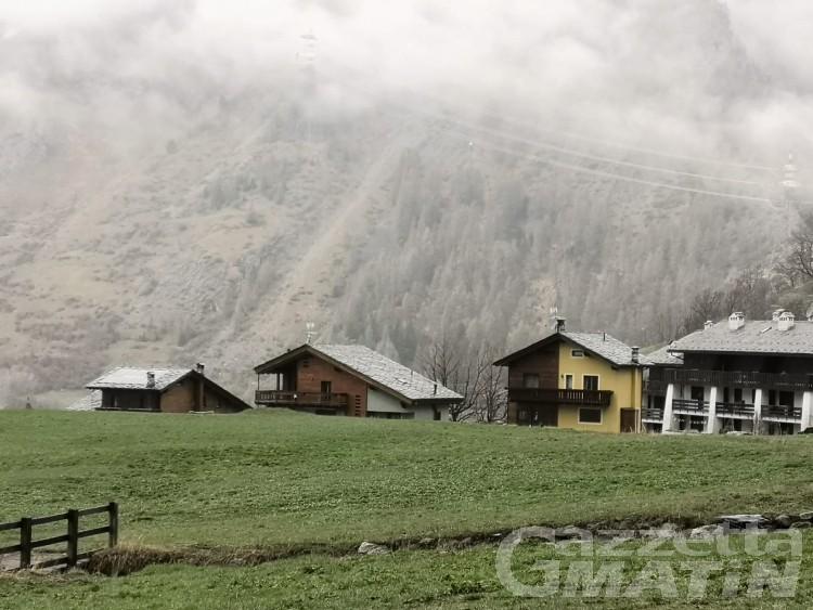La Thuile, le case da demolire finiscono all'attenzione delle Commissioni regionali