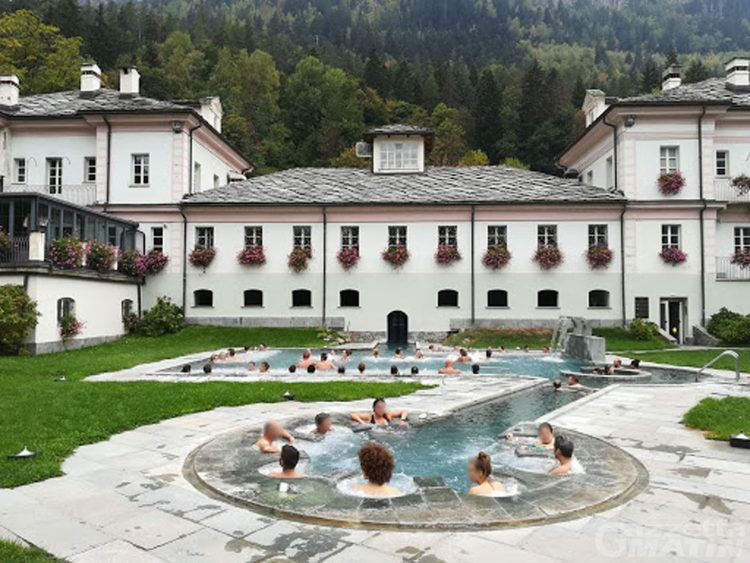 La Valle d'Aosta resta in zona gialla ma dal 25 giugno riaprono casinò, terme e piscine al chiuso