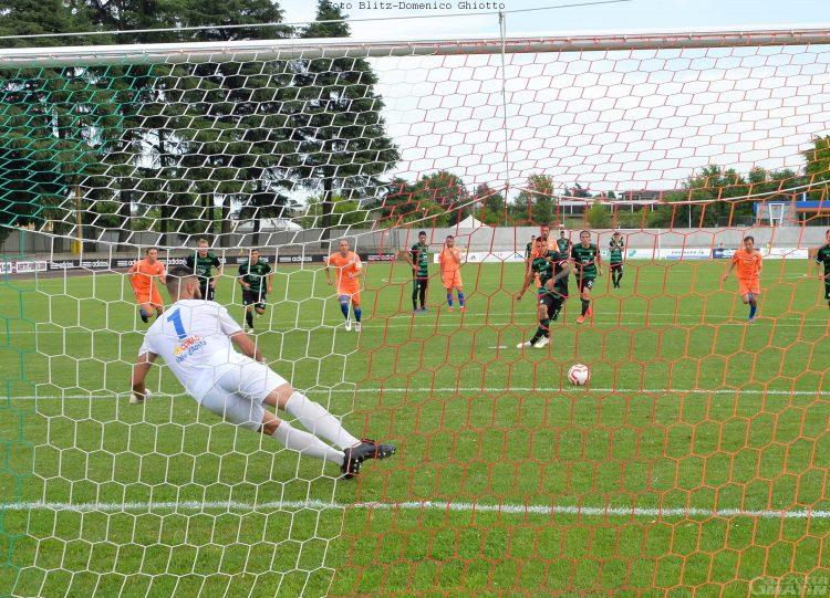 Calcio: il P.D.H.A.E. dura un tempo, poi la Castellanzese dilaga