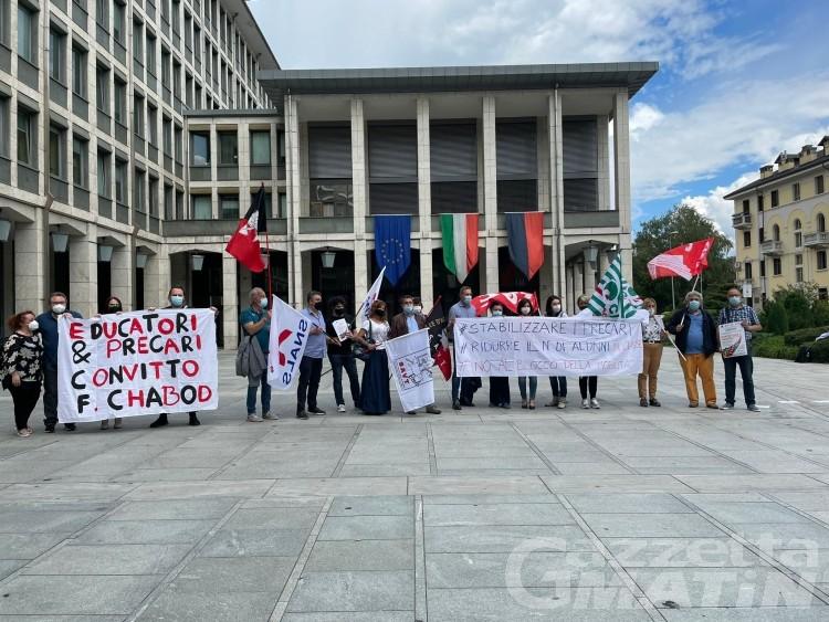 Scuola, sindacati in piazza: «stabilizzate i precari e basta classi pollaio»