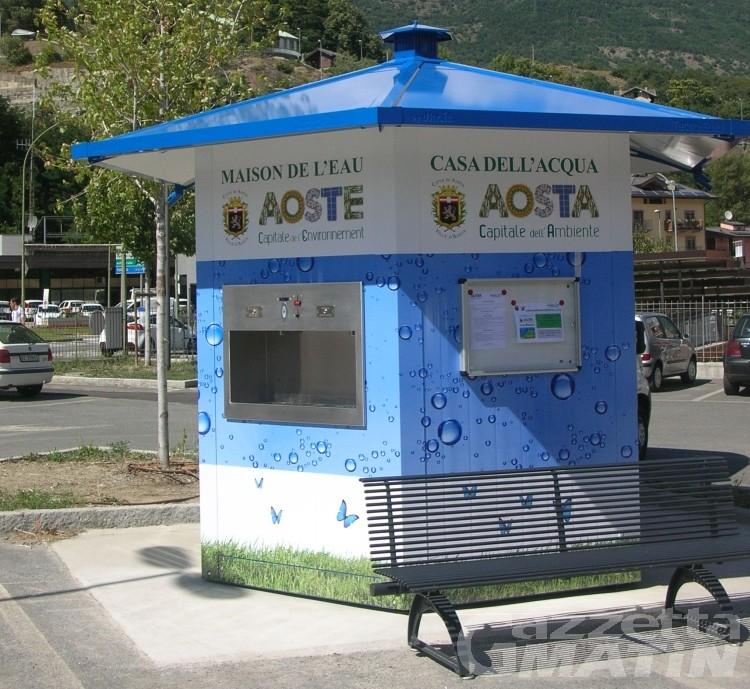 Aosta: Case dell'acqua, erogati oltre 400 mila litri, risparmiate 300 mila bottiglie