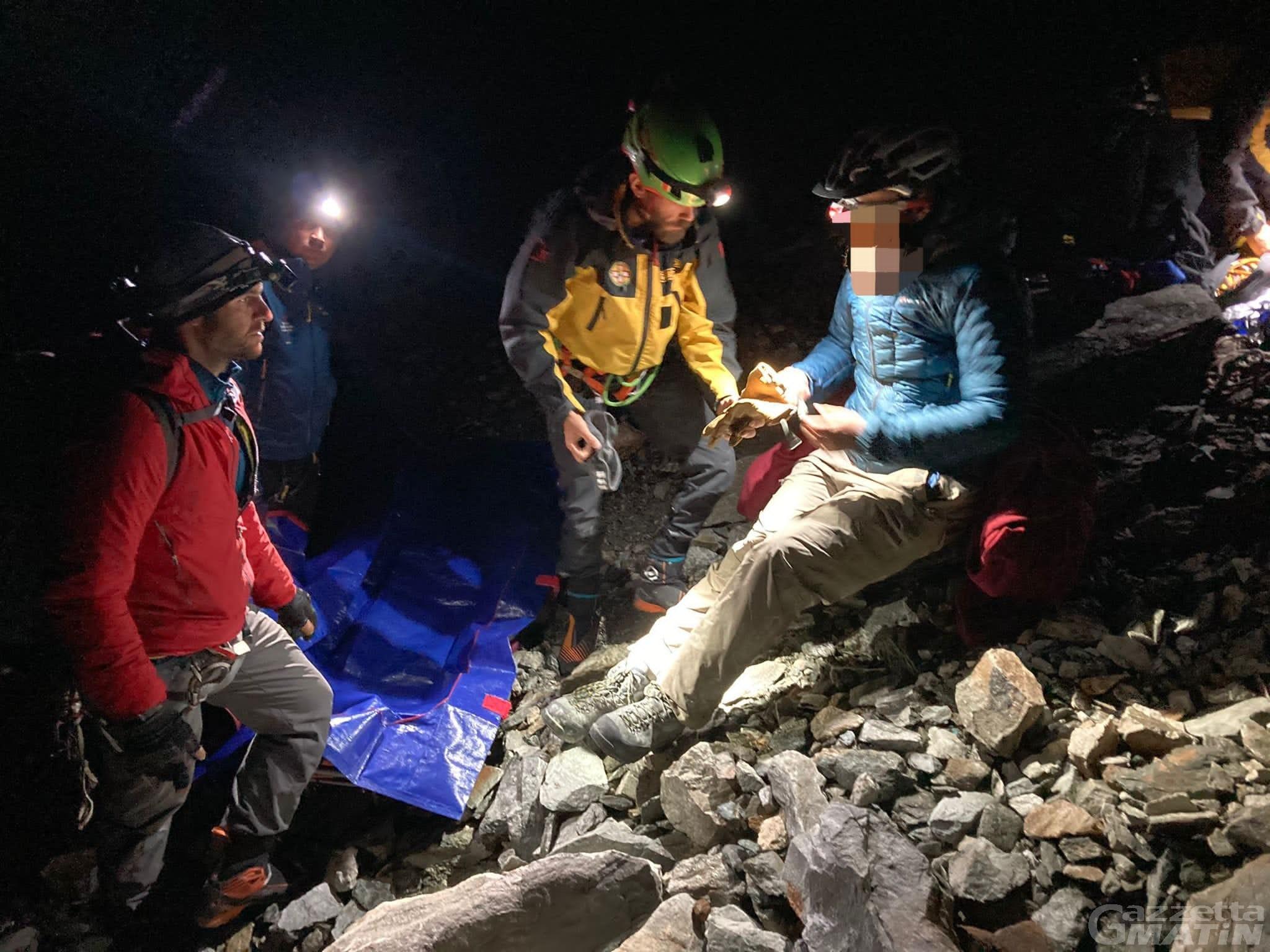 Monte Bianco, alpinista tedesco tratto in salvo nella notte da Sav e Sagf