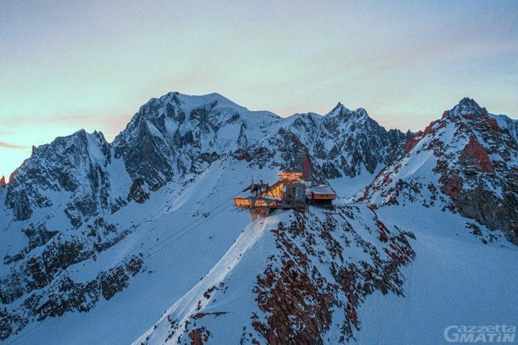 Skyway Monte Bianco, sul tetto d'Italia fino al crepuscolo