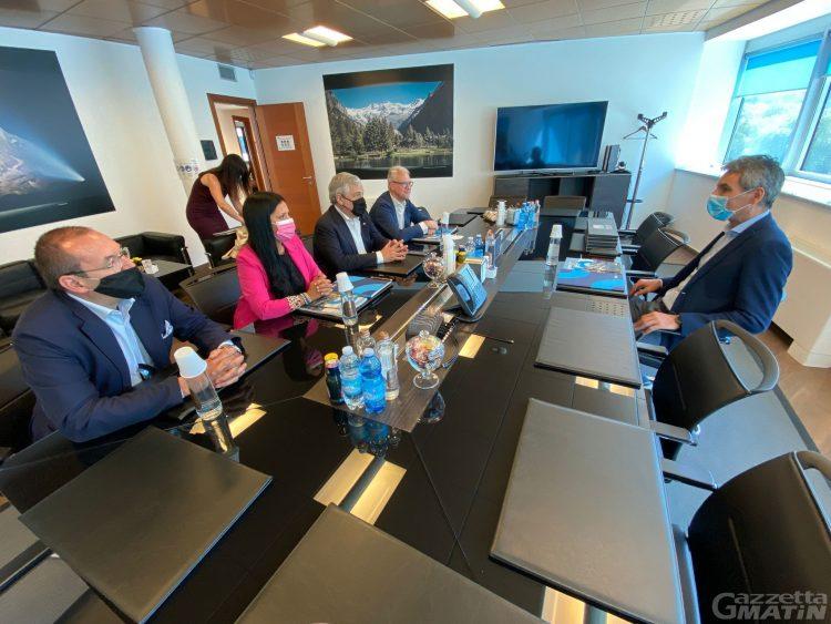 Forza Italia, Tajani promette sostegno «sull'idroelettrico e sugli impianti a fune»