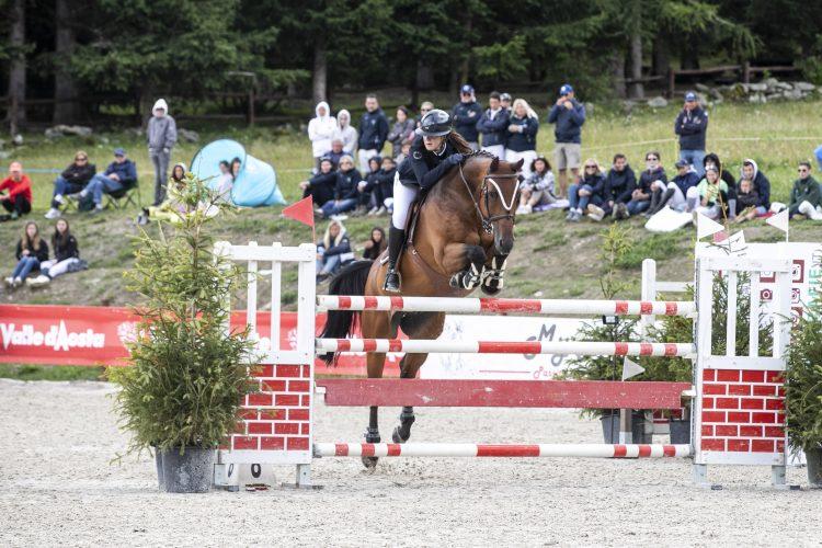 Equitazione: Martina Ferrari lascia il segno nell'ultimo week end di Jumping Torgnon