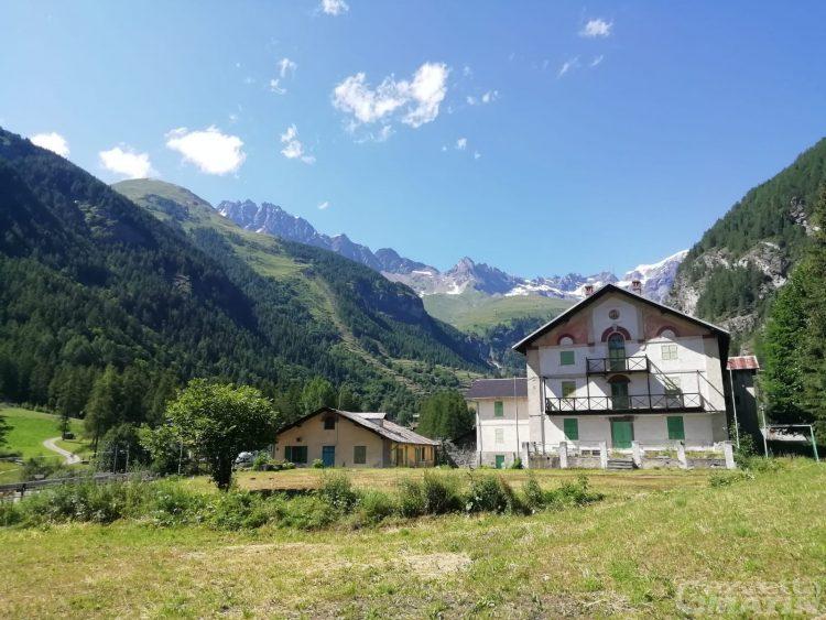 Arte, storia e due privati: così la Casa Alpina di Ollomont si trasforma in un museo