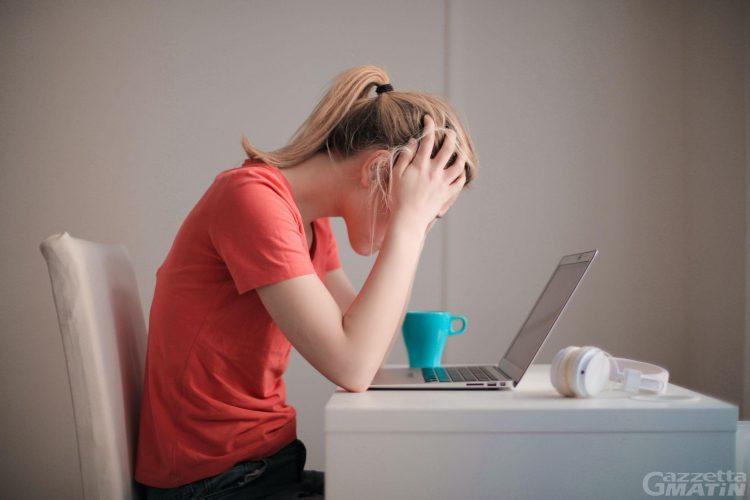 Usare l'olio di CBD per ridurre l'ansia e lo stress occasionali