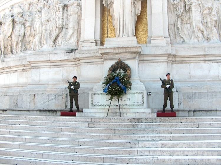 Aosta darà la cittadinanza onoraria la Milite Ignoto
