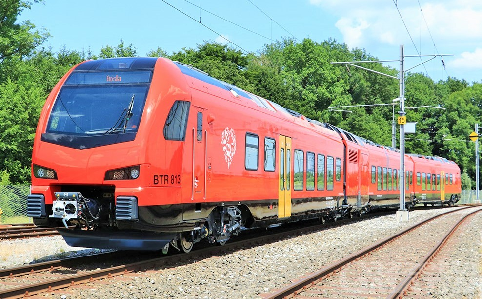 Guasto a passaggio a livello: studenti e pendolari arrivano ad Aosta in treno con grave ritardo