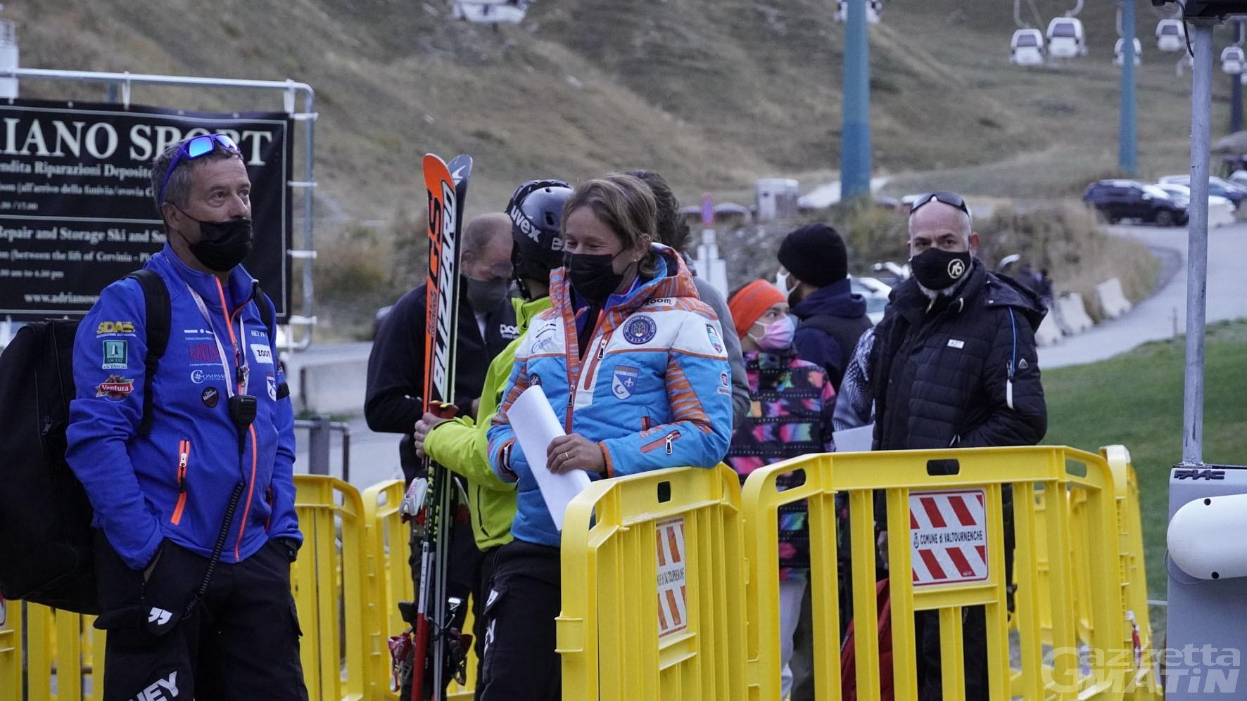 Sci a Breuil Cervinia: un migliaio di sciatori sulle piste per l'apertura, nessun intoppo