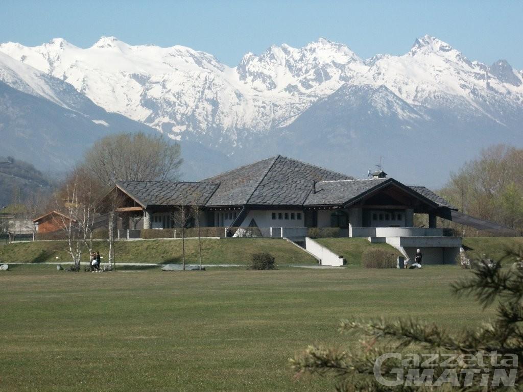 Vaccini anti-Covid, Valle d'Aosta: Grand Place di Pollein sostituisce Palaindoor Aosta