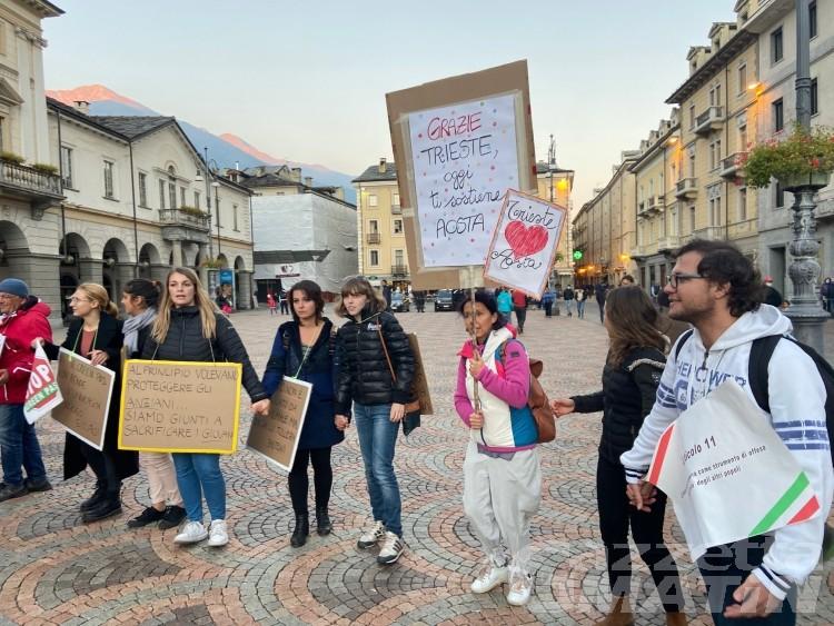 No green pass in piazza: «lasciateci tornare a vivere la nostra vita»