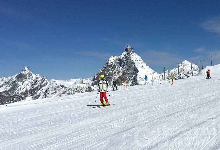 Sci in Valle d'Aosta: lo skipass stagionale aumenta di 110 euro