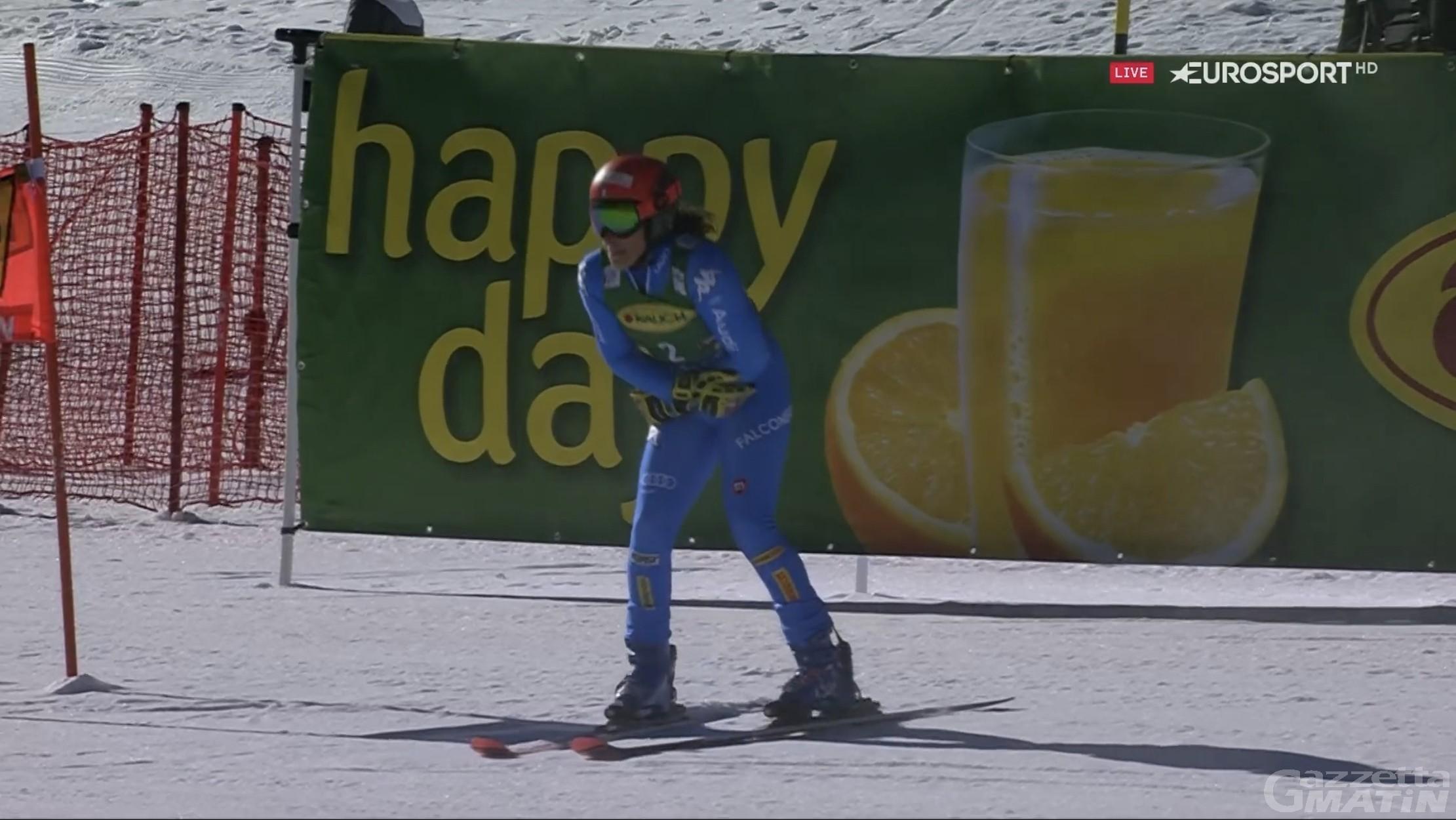 Sci alpino: Mikaela Shiffrin trionfa a Soelden, Federica Brignone out nella seconda manche