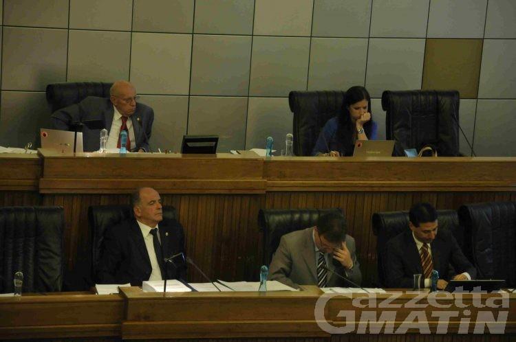 Il Consiglio Valle si taglia lo stipendio del 10 per cento
