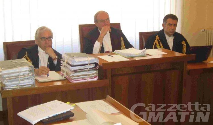 Corte dei Conti: danneggiò furgone dell'Esercito, militare a giudizio