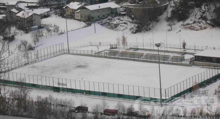 Calcio: la neve ferma Aygreville e Grand Combin