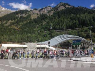 Monte Bianco: 100 metri di coda per salire con funivia  Skyway