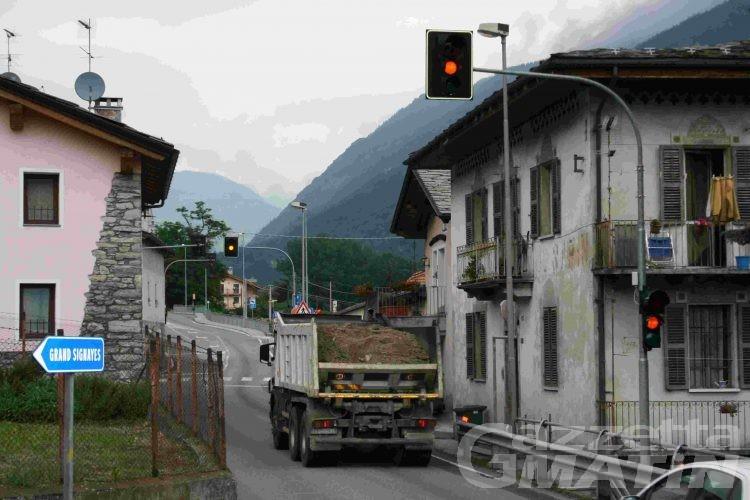 Signayes: semafori lampeggianti da sei mesi
