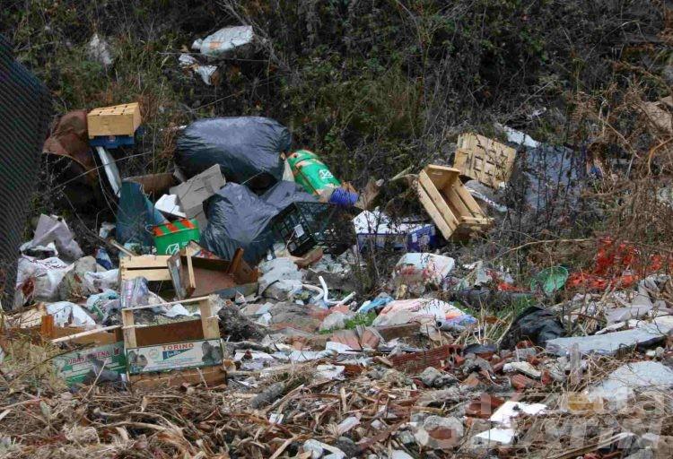 Pirogas: «l'unica alternativa sono le discariche, abusive però»