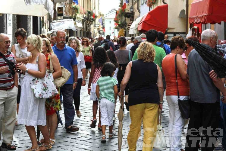 Turismo: oltre 4% in meno di arrivi nel mese di luglio