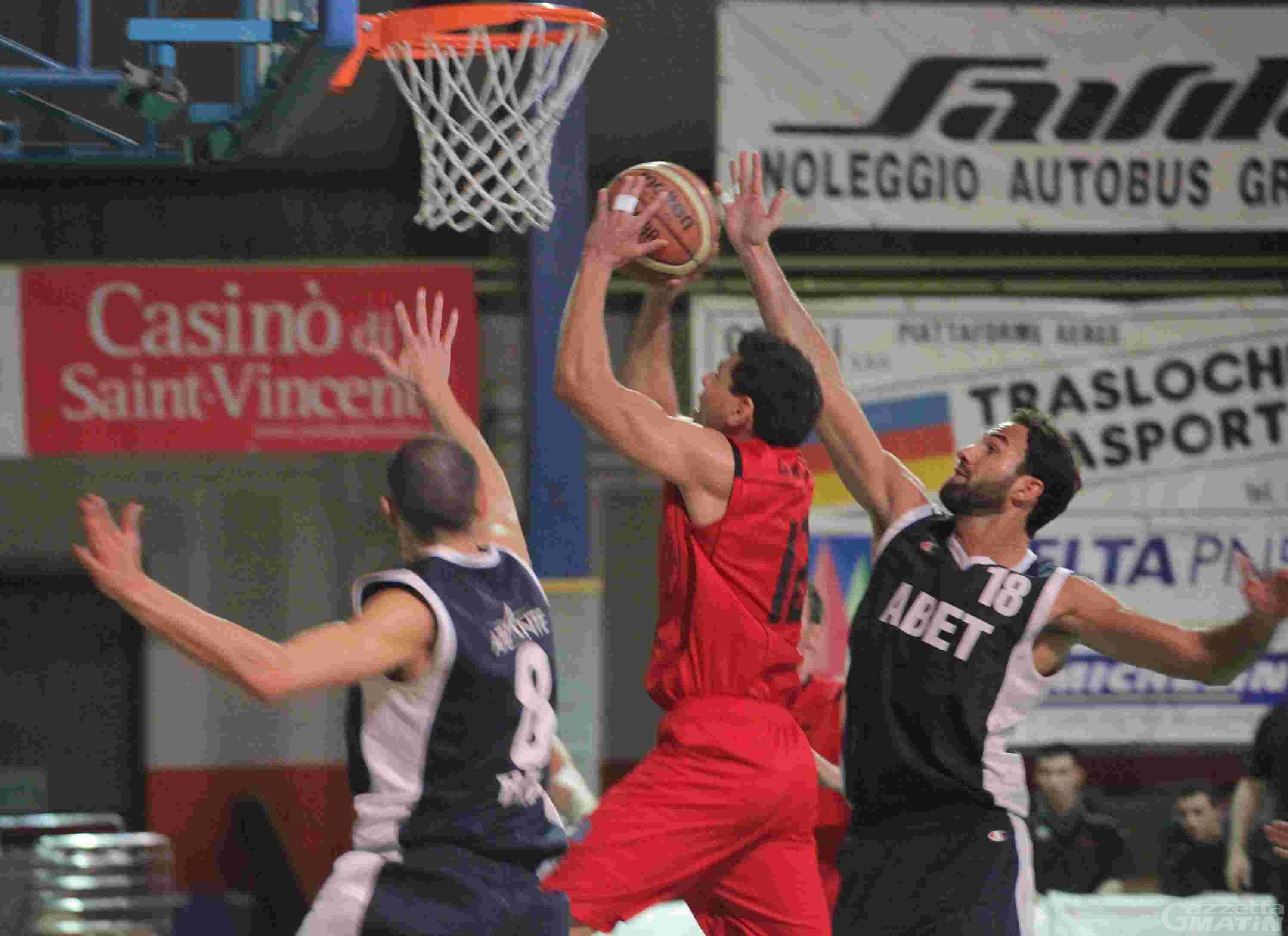 Basket: la Moretti abbatte il Bra e sogna i play off