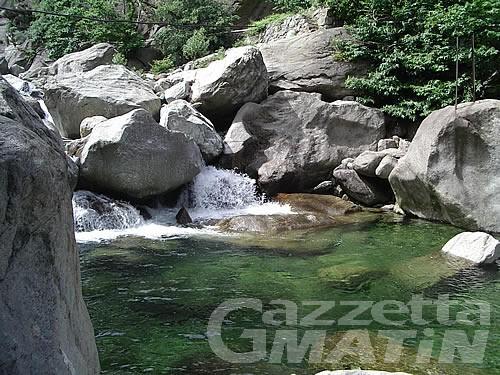 Donnas: è annegato il sedicenne che faceva il bagno nel torrente Fer