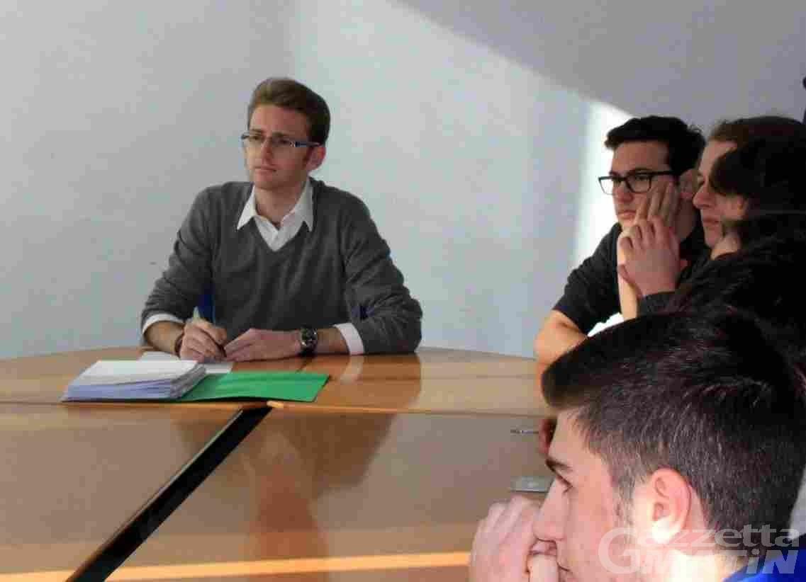 Scuola: per gli studenti, «due ore e mezza di incontro deludente, nessuna risposta, salviamo solo la disponibilità dell'assessore al confronto»