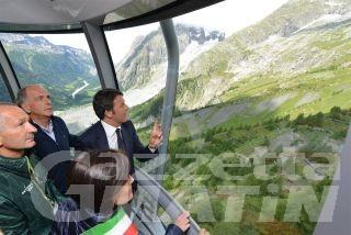 """Skyway Monte Bianco, Renzi: """"bellezza, innovazione e ingegneria rispettosa dell'ambiente sono racchiusi in quest'opera"""""""