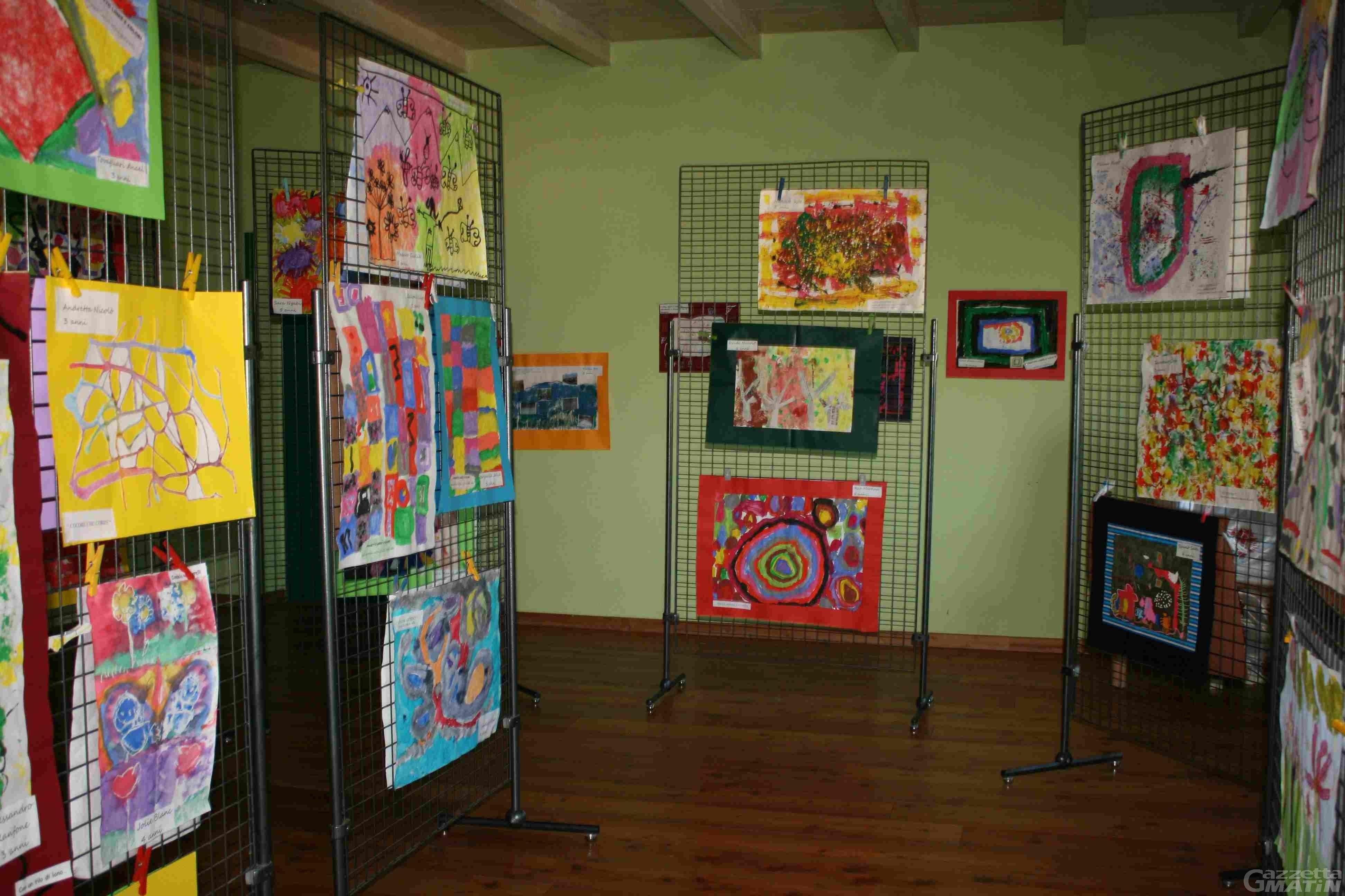 Scuola: in mostra 'emozioni, linee e colori' dei bambini dell'asilo del Villair di Quart
