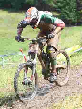 Downhill: Wallner e Pugin trionfano a Pila