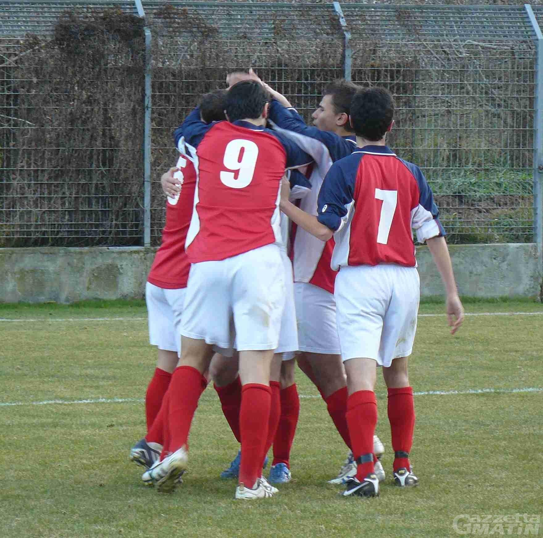 Calcio: l'Aygre torna a vincere, Charva sempre primo