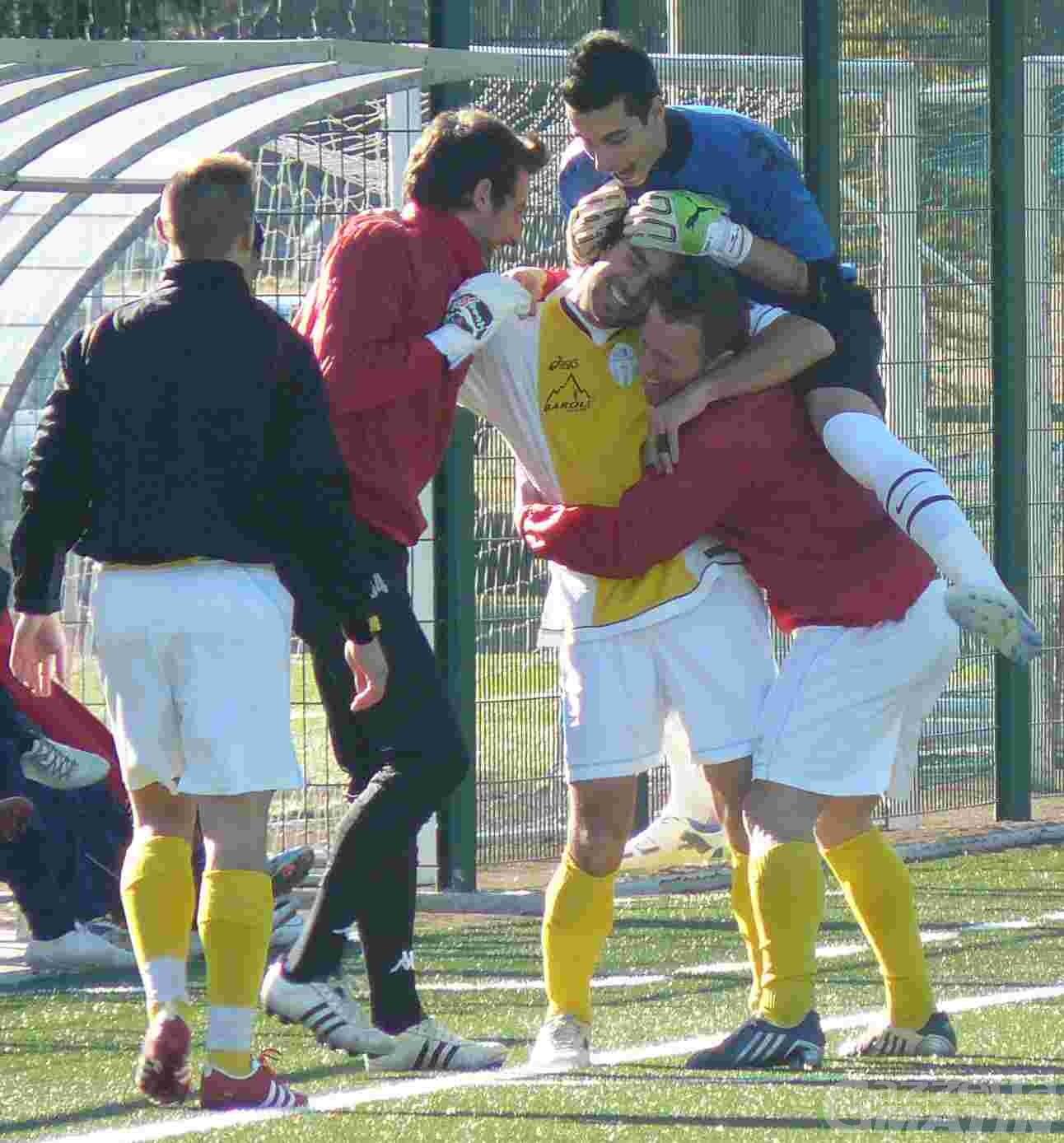 Calcio: l'Aygre rallenta, lo Charva riprende a correre