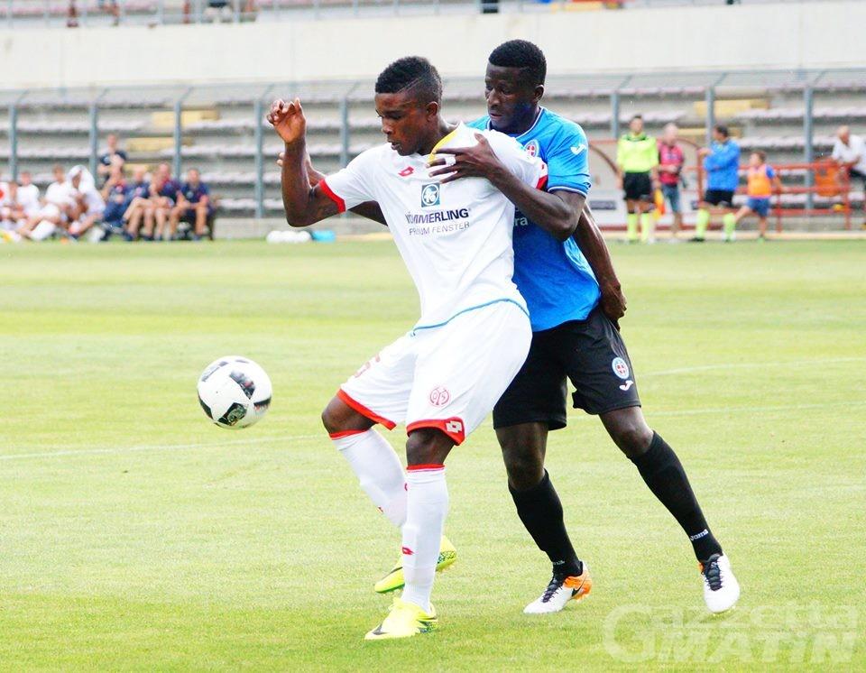 Calcio: il Novara batte 2-0 il Mainz