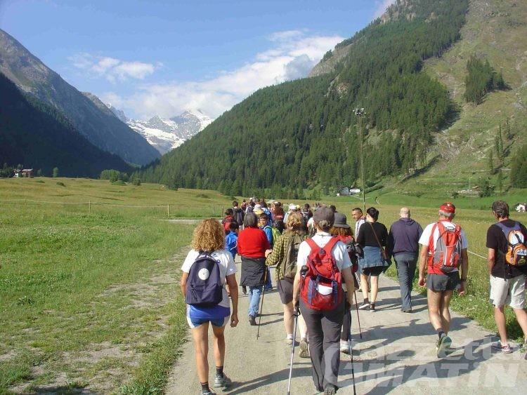 Cogne, domenica torna la Granparadiso estate, la camminata sui sentieri della Marcia