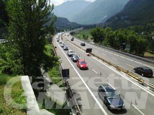 Traffico: forti rallentamenti in autostrada in direzione Torino