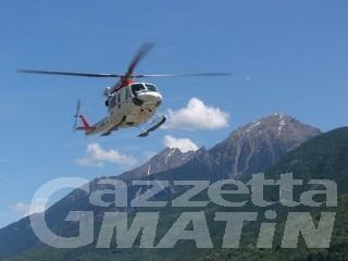 Alpinista cade in un crepaccio sul Breithorn: intervento del Sav in corso
